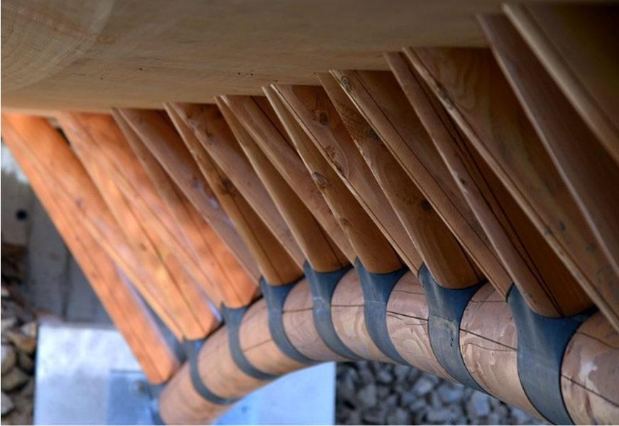 Holz-Polymerbruecke (Detail)